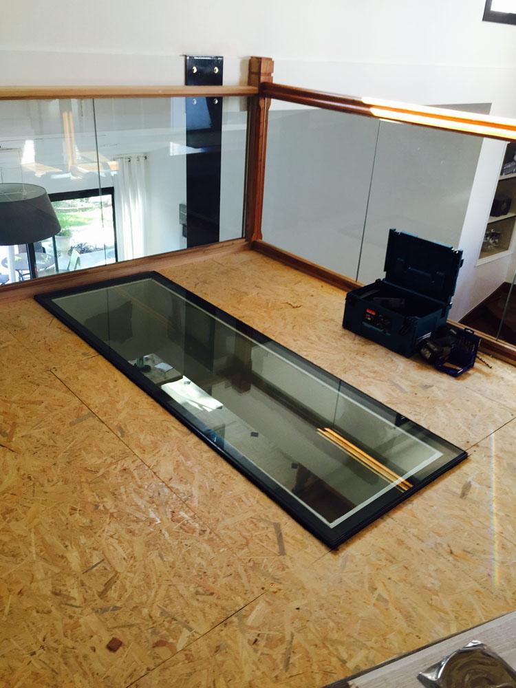 Dalles de plancher et escalier en verre